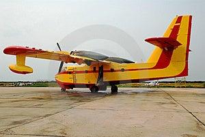 Βομβαρδιστικό αεροπλάνο νερού Στοκ Εικόνα - εικόνα: 2978741