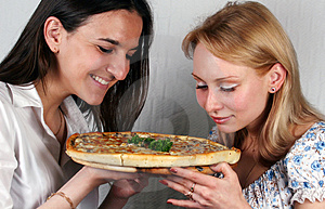 Girls & Pizza Italian Royalty Free Stock Photos - Image: 3089368