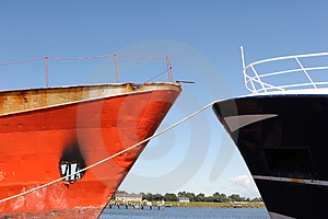 Ships In The Harbor Royalty Free Stock Photo - Image: 3108835