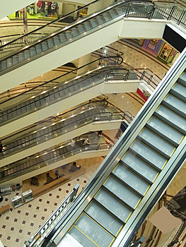 Escalators at shopping mall Royalty Free Stock Photo