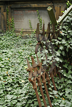 Old Graveyard Fence Stock Images - Image: 3215154