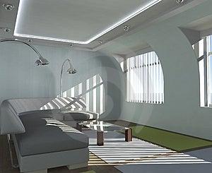 Interni semplici, luce solare, brillante, divano.
