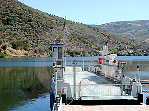Ferryboat On The River Douro Royalty Free Stock Image - Image: 3362446