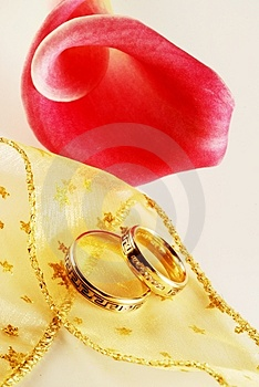 Wedding Rings Royalty Free Stock Images - Image: 3453359