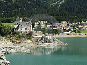 Small Village On The Lake Royalty Free Stock Photos - Image: 3639818