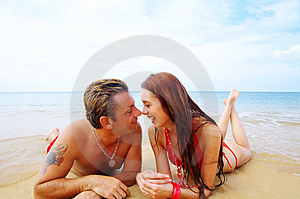 Couple and sea Royalty Free Stock Images