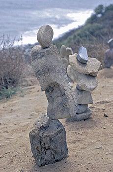 Ausgeglichene Felsen Stockfotos