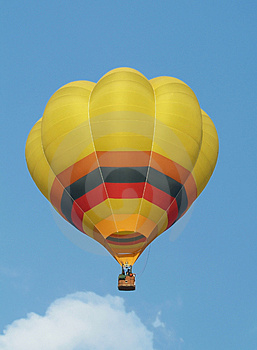 Yellow hot-air balloon Royalty Free Stock Image