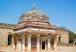 Tomb In Qutub Minar Royalty Free Stock Images - Image: 4086229