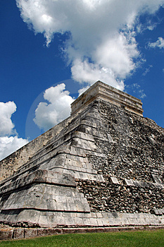 View Of Ancient Mayan Pyramid Royalty Free Stock Photo - Image: 4116185