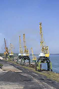 Cranes Royalty Free Stock Image - Image: 4146416