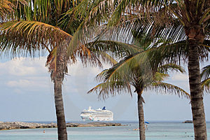 Tropical Cruise Royalty Free Stock Images - Image: 4402309