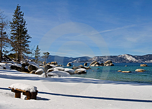 Lake In Winter Royalty Free Stock Images - Image: 4404179