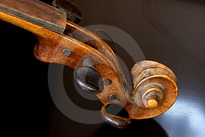 Violin Royalty Free Stock Photography - Image: 4443187