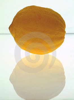 Citron Rugueux-pelé Images libres de droits - Image: 4571689