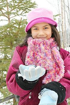 Dziecko Cieszy Się Zimę Zdjęcie Royalty Free - Obraz: 4642195