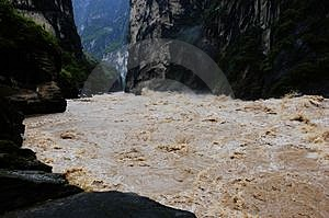Hu Tiao (Tiger Jumping) Gorge Royalty Free Stock Image - Image: 4727176