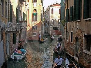 Smalle Straten Van Venetië Royalty-vrije Stock Fotografie - Afbeelding: 4728367