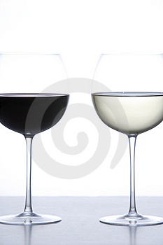 Glass of red wine and white wine Free Stock Photo