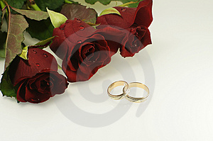 Tree Red Roses With Two Wedding Rings Royalty Free Stock Photography - Image: 4842467