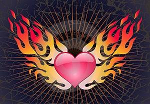 Coração Em Uma Chama Em Um Fundo Escuro Fotografia de Stock Royalty Free - Imagem: 4852737
