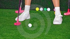 Giocatore Di Golf Nell'azione Fotografia Stock Libera da Diritti - Immagine: 4953187