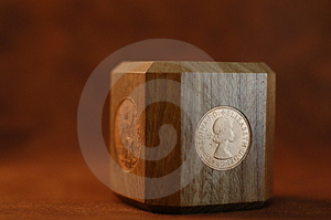 Britischer Münzenpapierbeschwerer Lizenzfreie Stockfotos