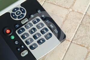 Telefono In Tavola Immagine Stock - Immagine: 504081
