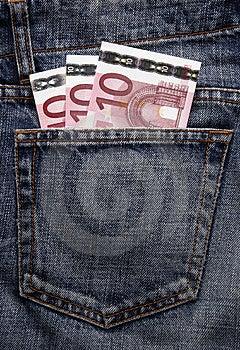 Dinheiro De Bolso Do Euro Na Calças De Ganga Foto de Stock - Imagem: 5121000