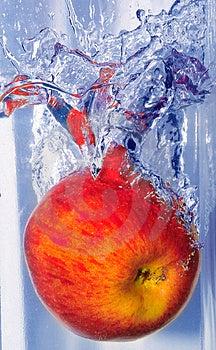 Spritzen Des Apfels Stockfoto - Bild: 5151880