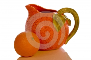 Apelsin Och Kanna Fotografering för Bildbyråer - Bild: 529091