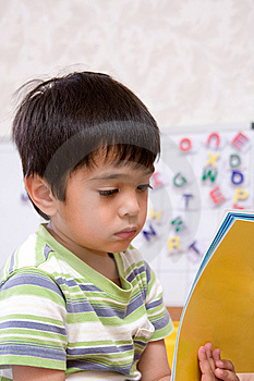 Reading Child Royalty Free Stock Photo - Image: 5211945