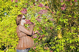 Pregnant Woman At Tree Stock Images - Image: 5241984