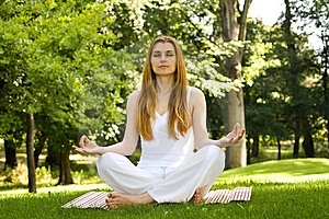 Yoga outdoor pose Free Stock Photos