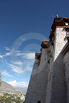 Potala Temple Royalty Free Stock Photo - Image: 5376765