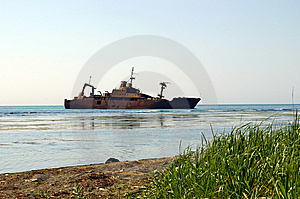 The Ship, Which Has Sunk Stock Images - Image: 5377064