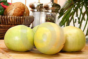 Green Tomatoes Royalty Free Stock Images - Image: 5383819