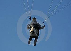 Paraglider I Handling Royaltyfria Foton - Bild: 5440638
