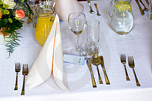 Table In Restaurant Royalty Free Stock Images - Image: 5475709
