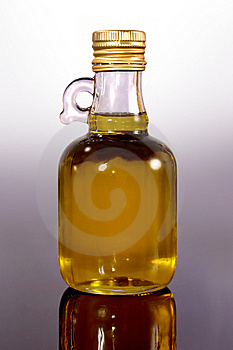 Olive Oil Royalty Free Stock Images - Image: 5519319
