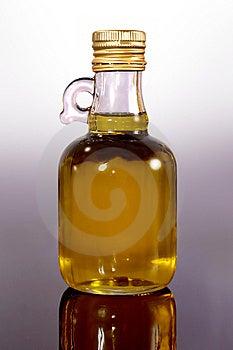 Оливковое масло Стоковые Изображения RF - изображение: 5519319