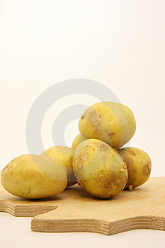 Potatoes Royalty Free Stock Images - Image: 5521439