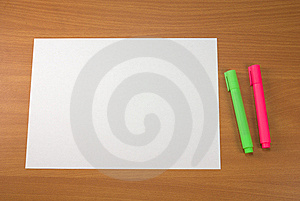 Markers and paper Royalty Free Stock Images
