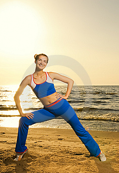 Woman doing fitness exercise Royalty Free Stock Image