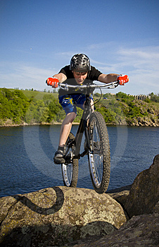 The bike extreme trick Free Stock Images