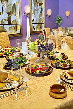 Served Table In Restaurant Royalty Free Stock Photos - Image: 5581128