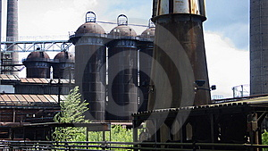 HEAVY INDUSTRY Stock Photo - Image: 5582770