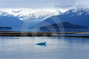 Iceberg Royalty Free Stock Images - Image: 5585389