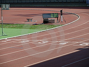 Athletische Bahn Lizenzfreies Stockbild - Bild: 5588006