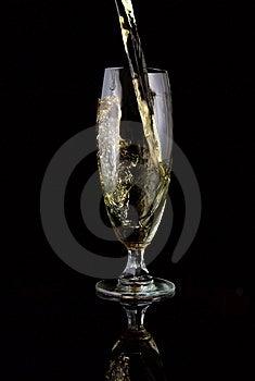 Vidro Do Vinho Derramado Imagem de Stock Royalty Free - Imagem: 5637986